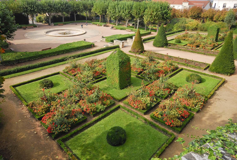 Jardin wilson de montlu on dans l 39 allier parc botanique for Jardin wilson