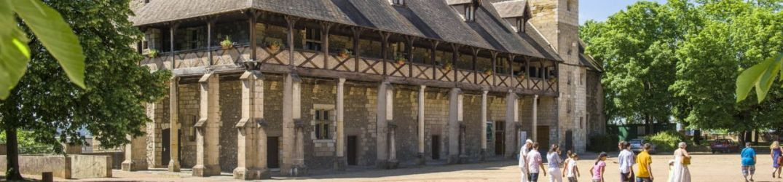 Jour 1 - Montluçon, cité médiévale et festive