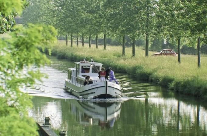 Canal latéral à la Loire © Luc Olivier/CDT03