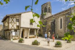 Village Charroux © Luc Olivier