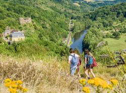 Château de Chouvigny Val de Sioule © Luc Olivier