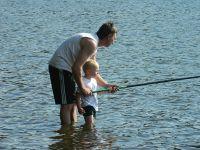 Partie de pêche en famille dans l'Allier © C.Roy