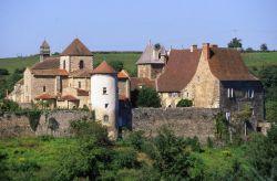 Abbaye de Chantelle : Site touristique Allier © Rémy Lacroix